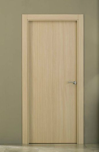 Puerta de interior semi maciza vinilo acabado roble for Puertas de roble interior