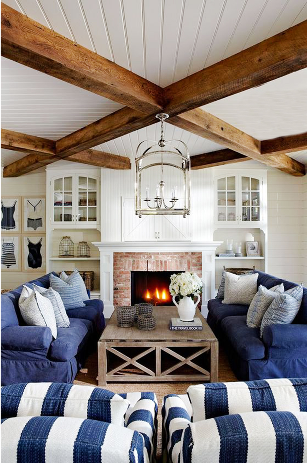9 Chic Nantucket Nautical Home Decor Must Haves Cottage Living Rooms Coastal Decorating Living Room Farm House Living Room