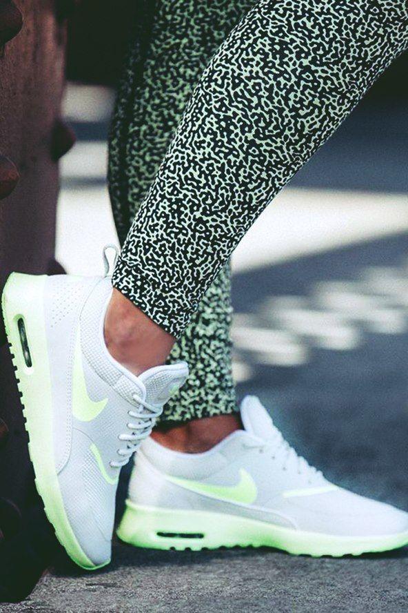 Nike 2015 Kadin Spor Ayakkabi Modelleri Beyaz Neon Yesil Kadin Spor Ayakkabi Nike Nike Kadin Spor