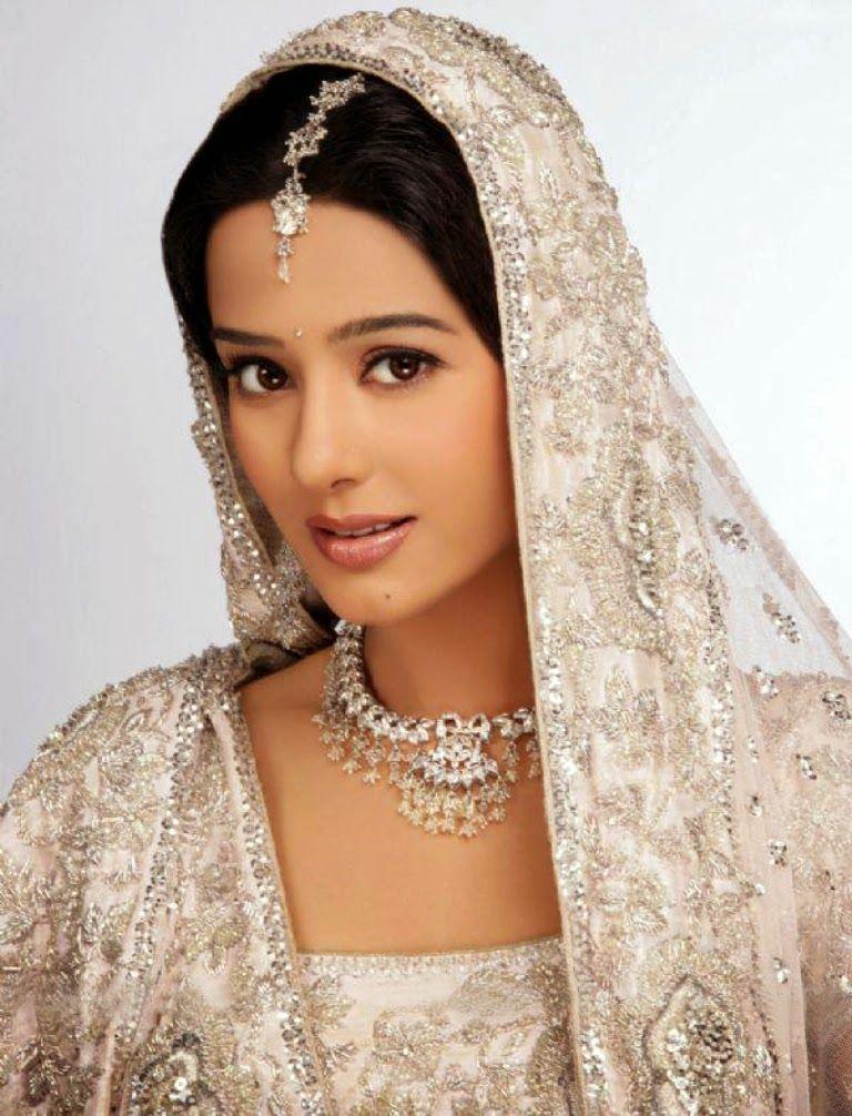 Solid Dhamaal Amrita Rao In Vivah Amrita Rao Bridal Wear Indian Wedding
