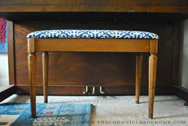 Tutorial How To Reupholster A Bench With Rounded Corners With Images Reupholster Piano Bench Refinishing Furniture