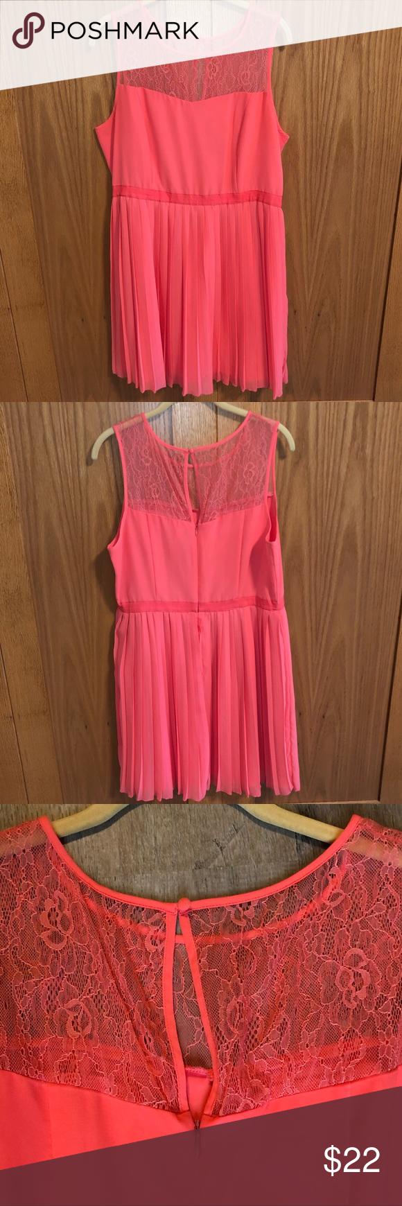 Kensie Dress Dieses Kleid ist perfekt für einen Abend oder einen Schultanz! Es ist pink…   – circle