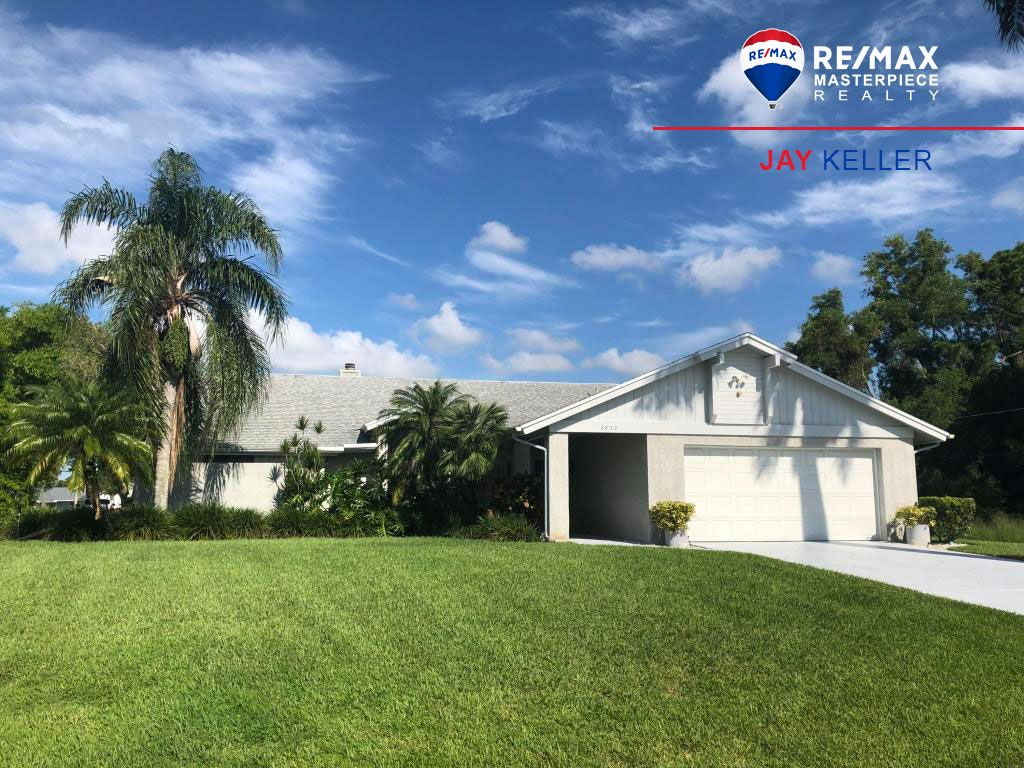Just Listed Port St Lucie Fl 3 2 2 Cbs Pool Home Lovingly Cared For In Port St Lucie S Desirable Southbend Area 249 900 Port St Lucie Realty Remax
