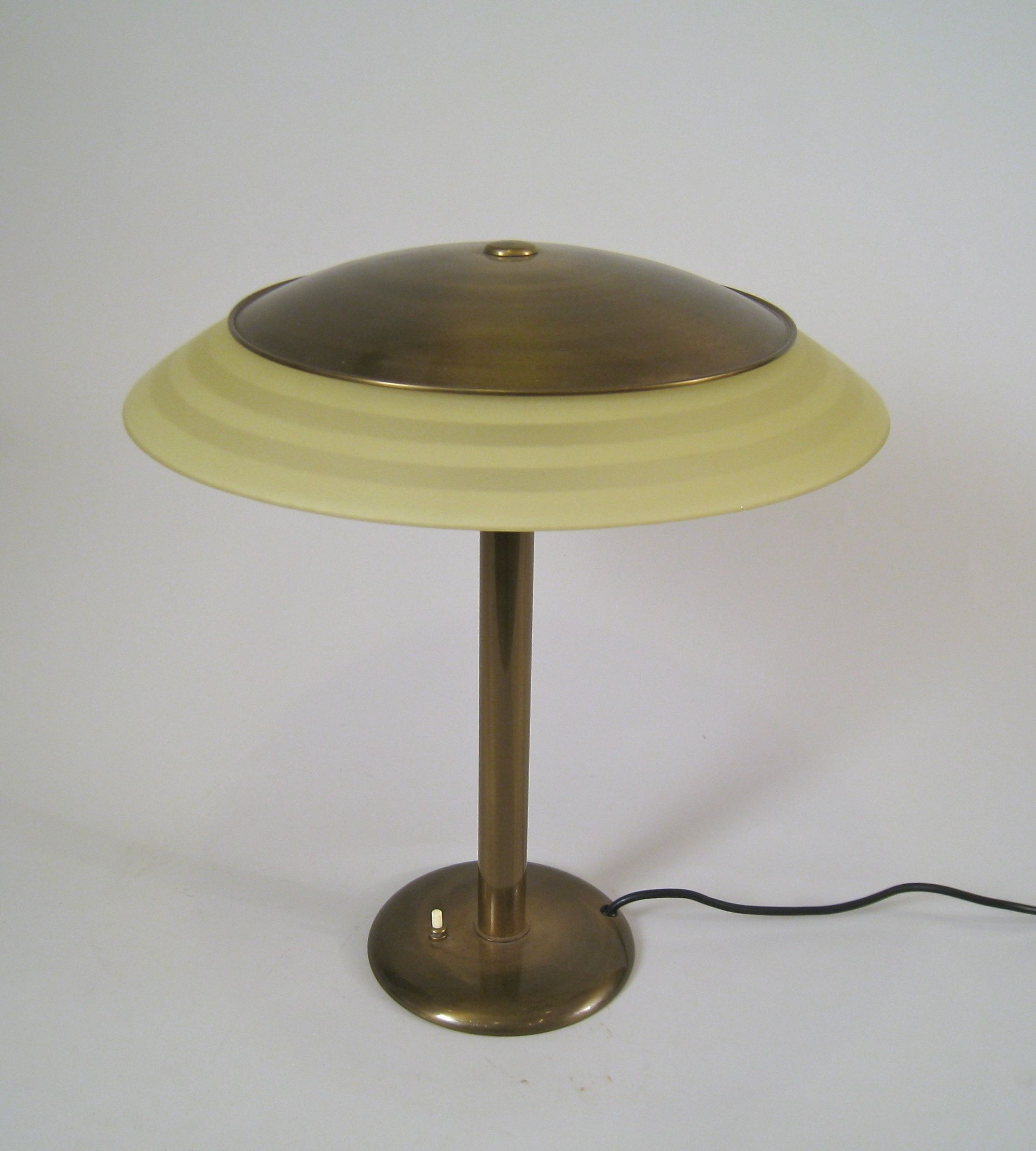 Cheap makeover to get a room purchase a table lamp