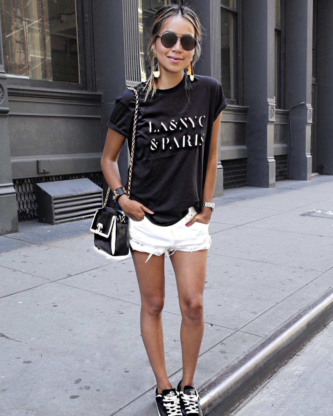 Fashion style Ways stylish to wear graphic tees for girls