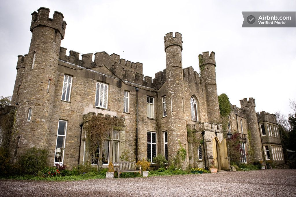 Stay in an Ancient British Castle! à Kirkby Stephen