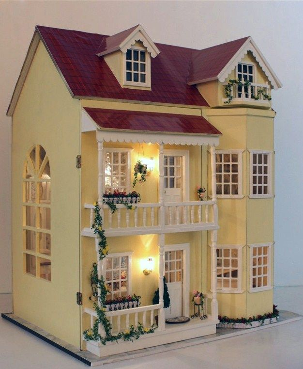 Dollhouse in wood build it together with your daughter