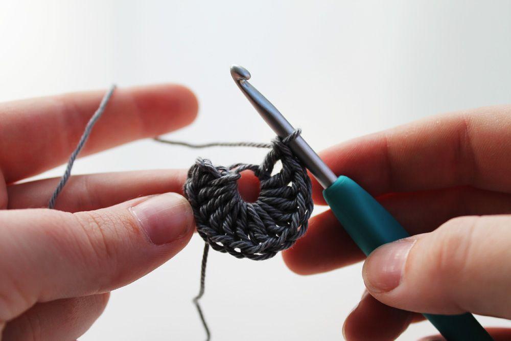 Free crochet pattern: Roller Coasters   Patrón libre y Patrones