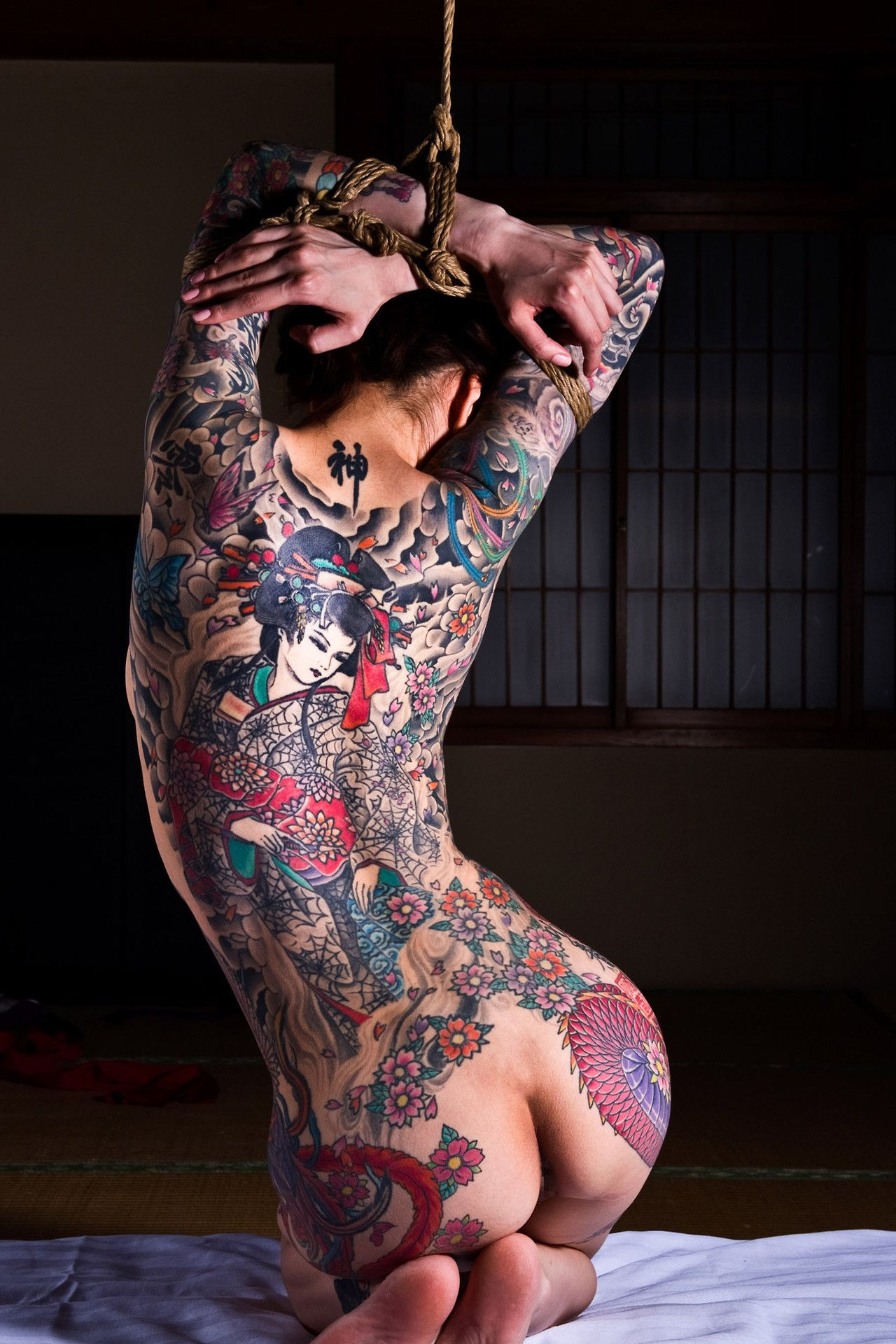 full-body-tattoo-on-naked-women-ejeculation-of-the-vagina