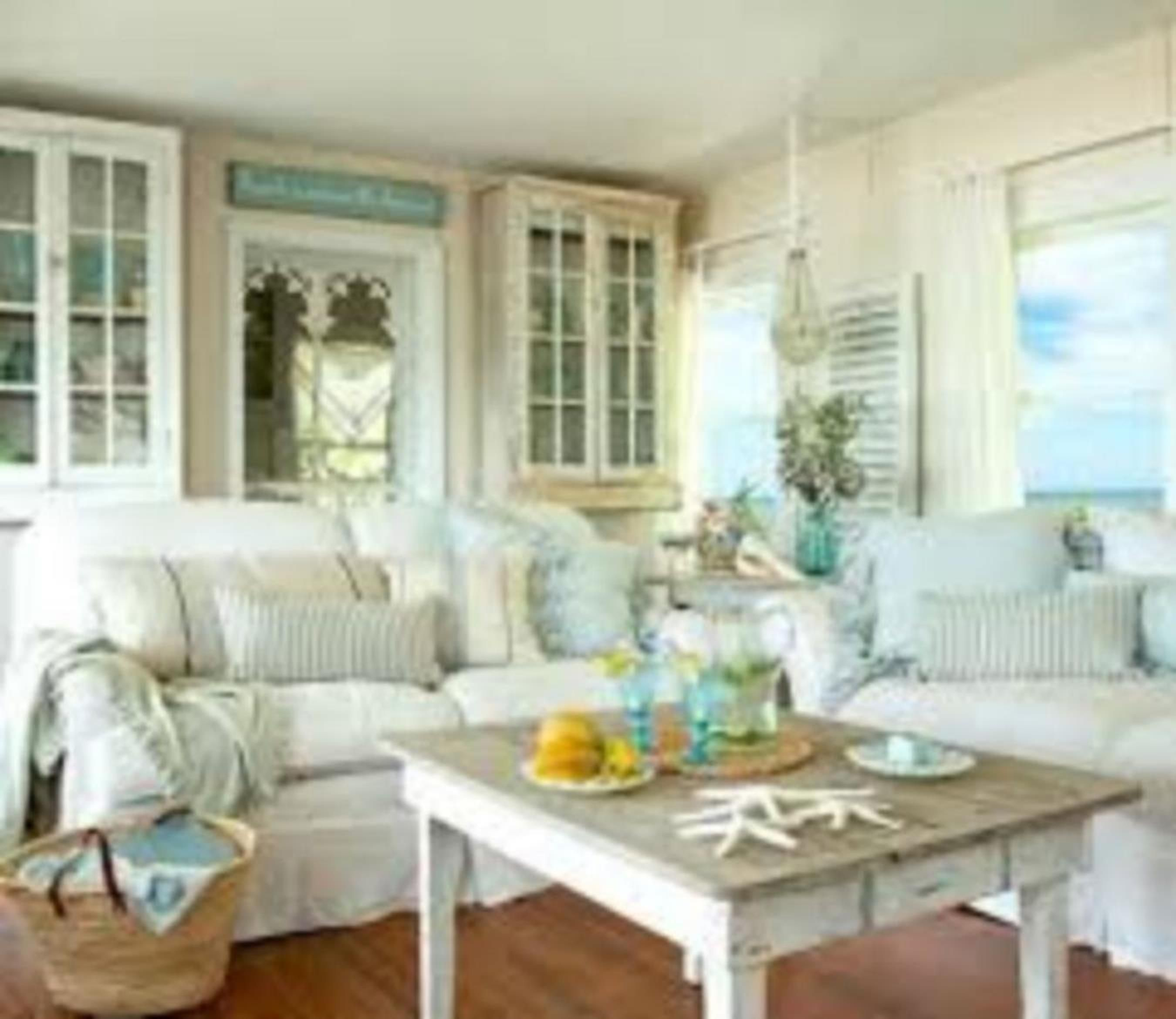 32 Amazing Coastal Living Room Decorating Ideas On A Budget