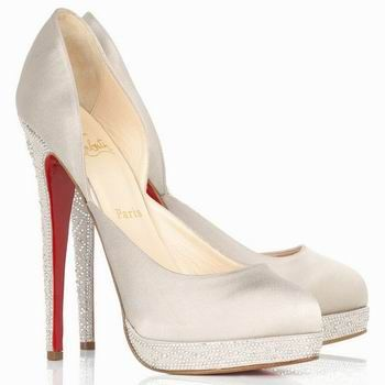 Christian Louboutin red soles——sexy ~