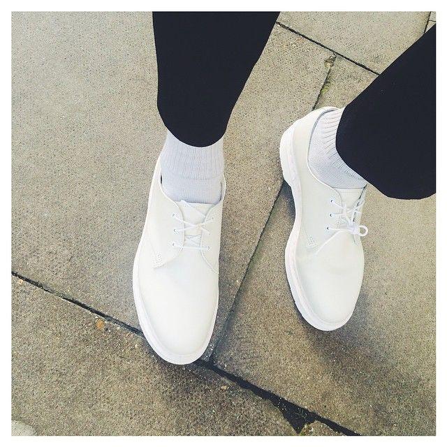 All white shoes, Shoes, Dr martens men