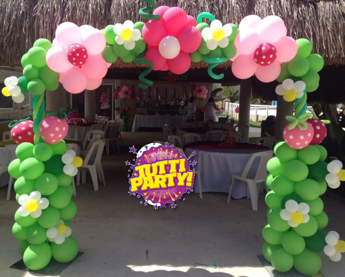 Strawberry shortcake arch balloons decoration, Rosita Fresita ...
