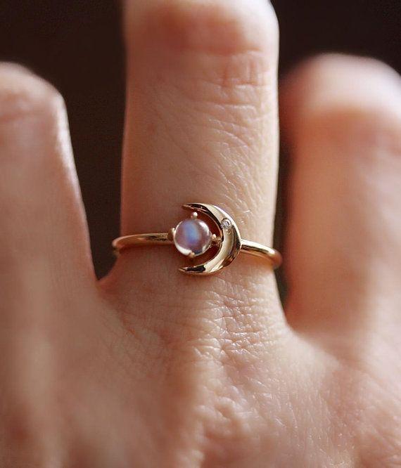 """Photo of 14 Karat Gold Mondstein Diamantring, """"Mond meines Lebens"""" Ring, Mondstein, Mondstein Ring, Astrologie Ring, zierlicher Ring, Mondstein Versprechen Ring"""