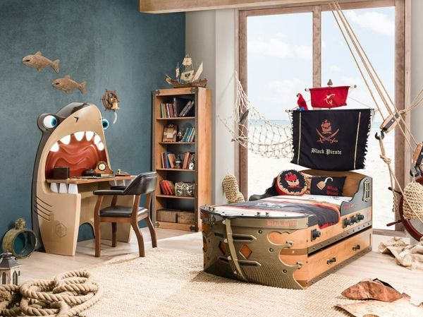 kinderzimmer ausgefallenes kinderbett schiff piraten kinderzimmer babyzimmer jugendzimmer. Black Bedroom Furniture Sets. Home Design Ideas