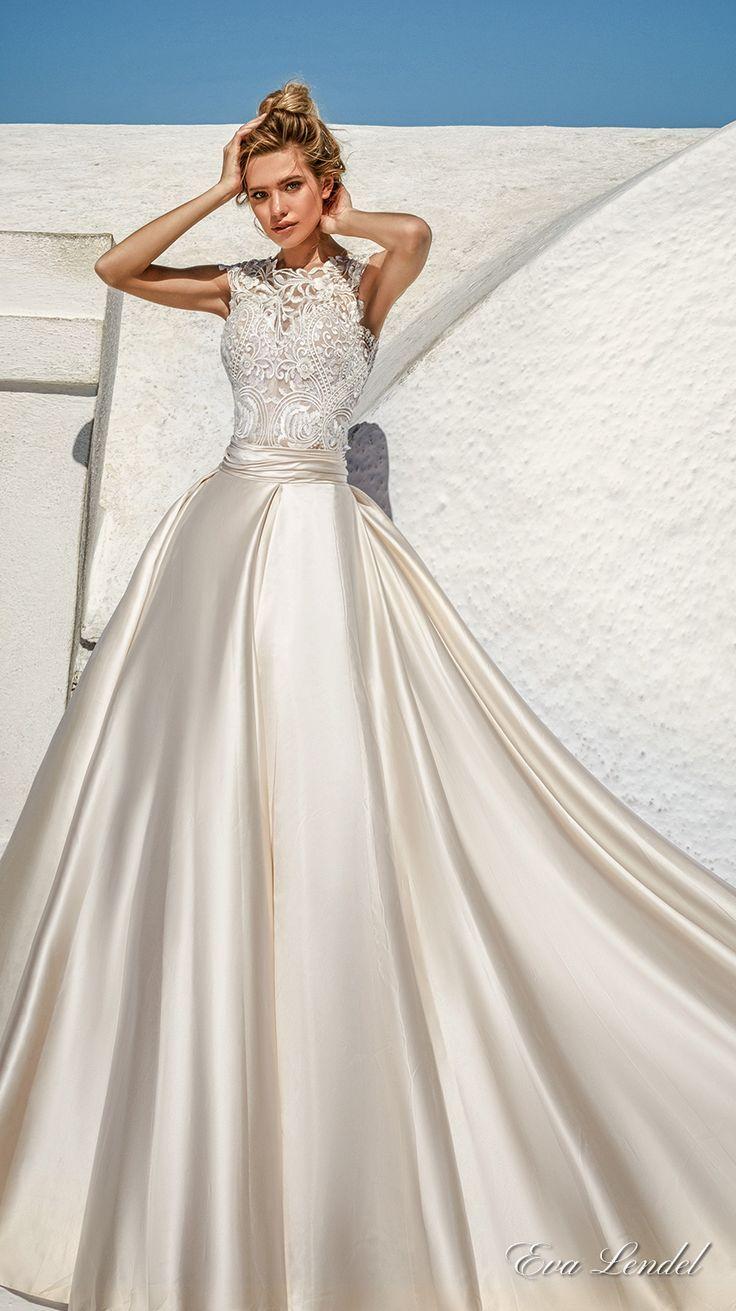 Detachable skirt wedding dress  Pin by Kika Pavioni on Me anda de la boda  Pinterest  Ball gowns