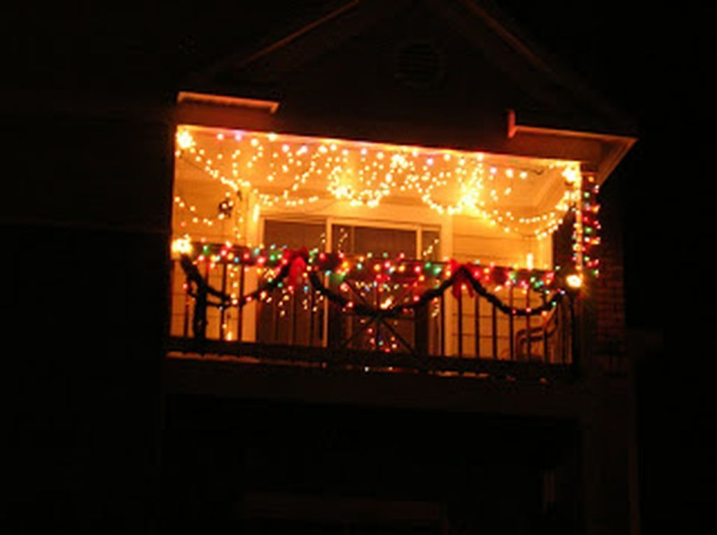 33 Inspiring Christmas Apartment Balcony Decor Ideas You Should Copy Now Christmas Apartment Balcony Decor Apartment Decor