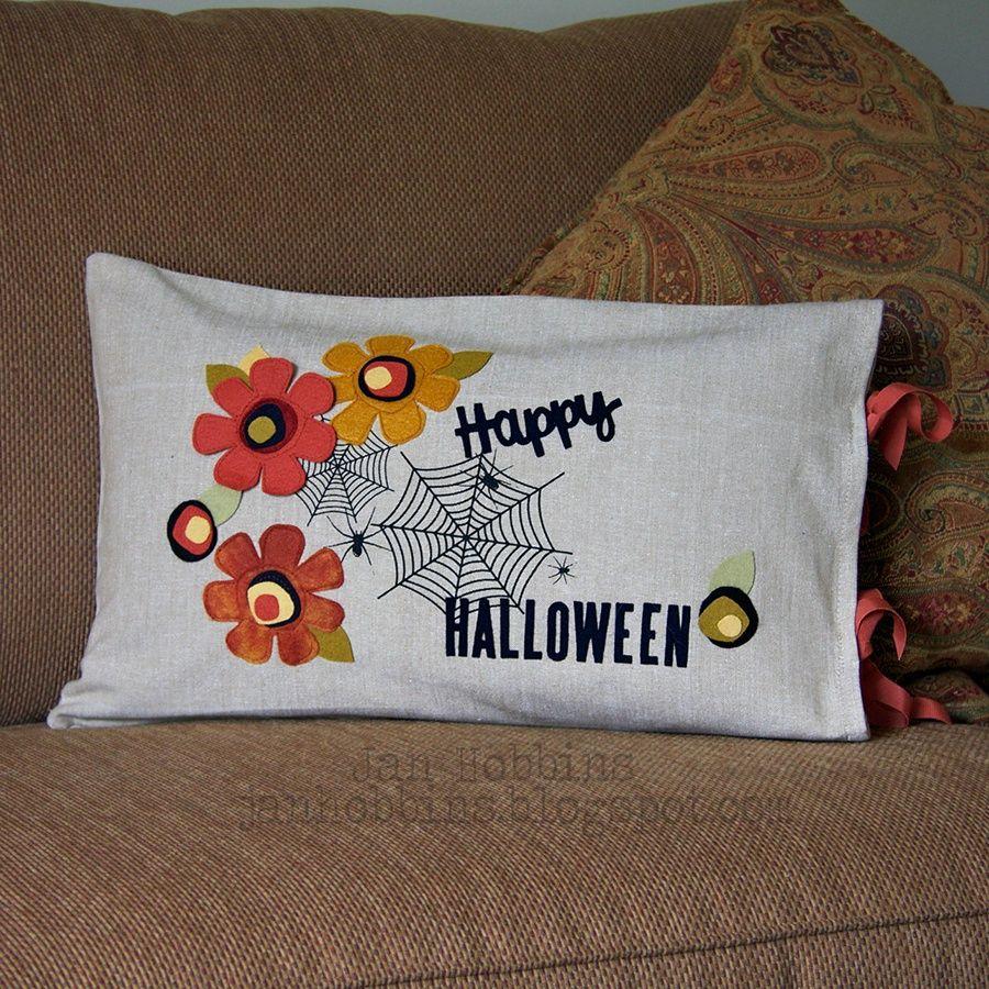 Sizzix Inspiration | Halloween Pillow Cover Jan Hobbins