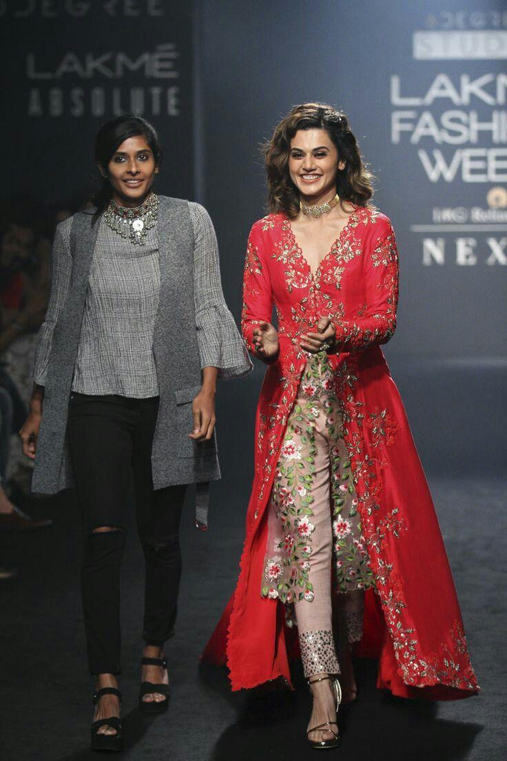 Designer Punjabi Suits In 2020 Designer Dresses Indian Lakme Fashion Week Fashion Design Dress