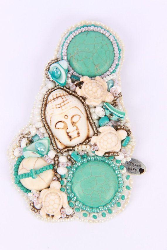 Beaded embroidery brooch van Spijckerhard op Etsy, €49.95