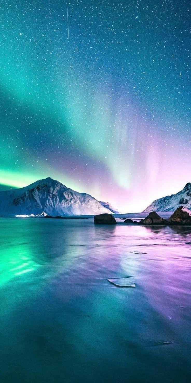 Aurora in the starry night Snow night, Sky aesthetic