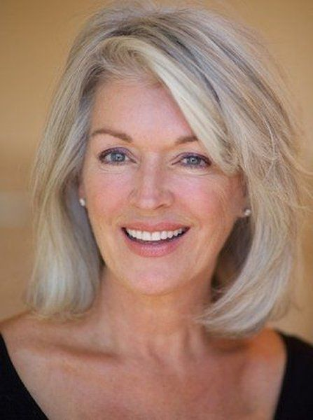 Super Easy Short Hairstyles For Women Over 60 Years