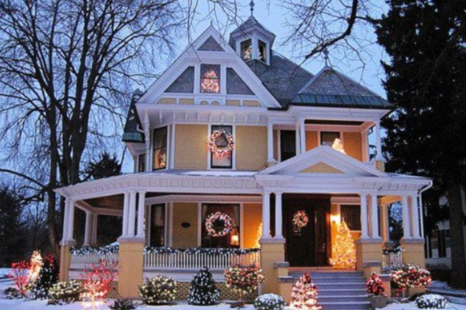 Wrap around porch   HOME.   Victorian homes, Beautiful ...