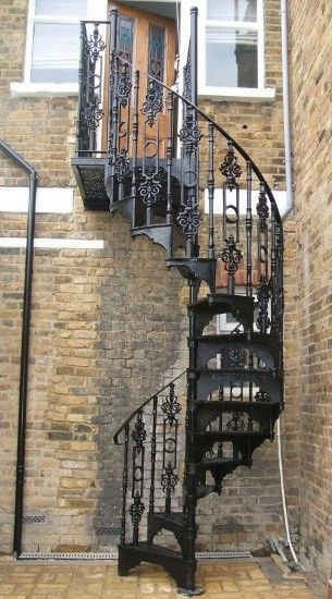 Superior Loft Centre Victorian Cast Iron Spiral Stair