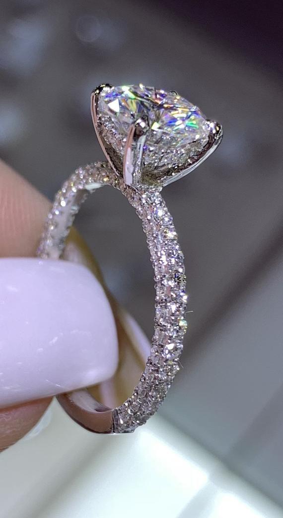 14 Karat Weißgold Diamant unter Halo Ehering w / Round Brilliant Forever One Moissan … #diamondrings