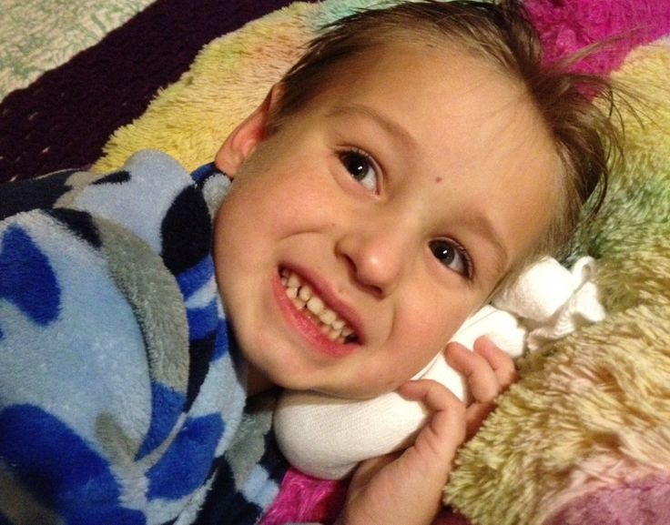 Salt Sock: The BEST Natural Relief for Ear Infections - They are super easy to make, super cheap and you will be amazed at how well they work!