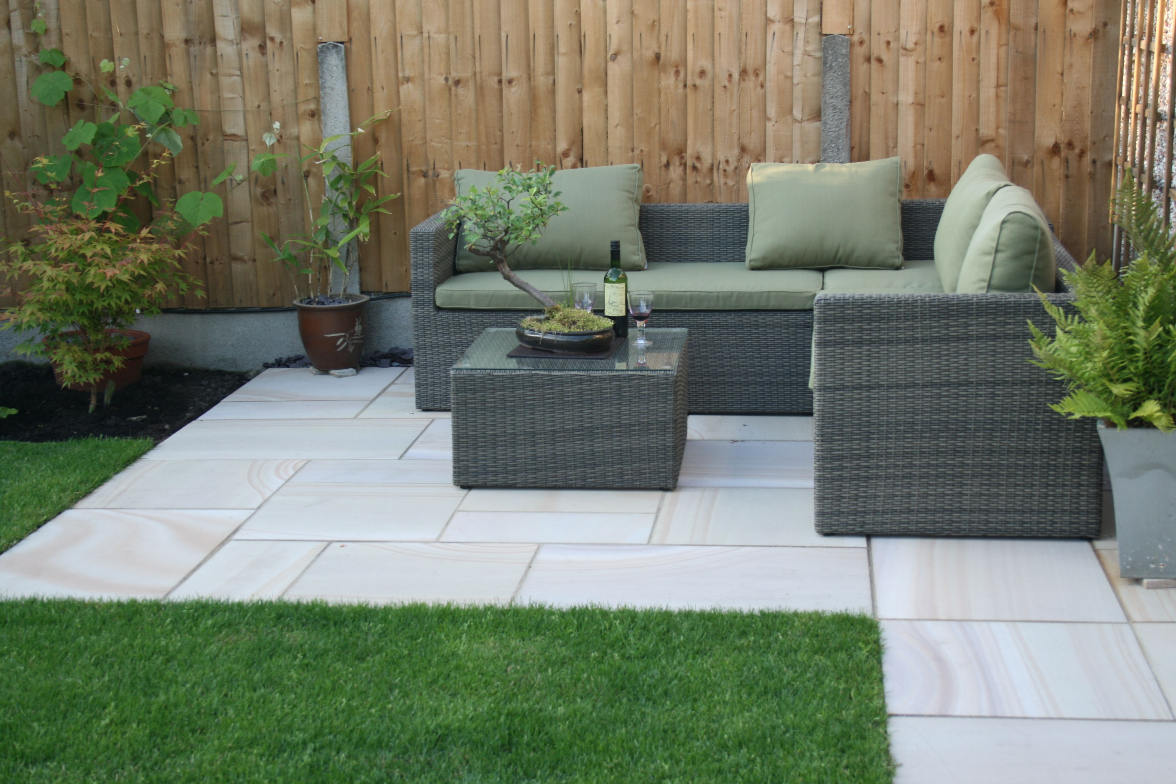 Budworth Sawn Sandstone Used To Create A Relaxing Corner Thanks To Derek Of Oliver Paving Widnes Fo Patio Garden Design Small Patio Garden Corner Patio Ideas