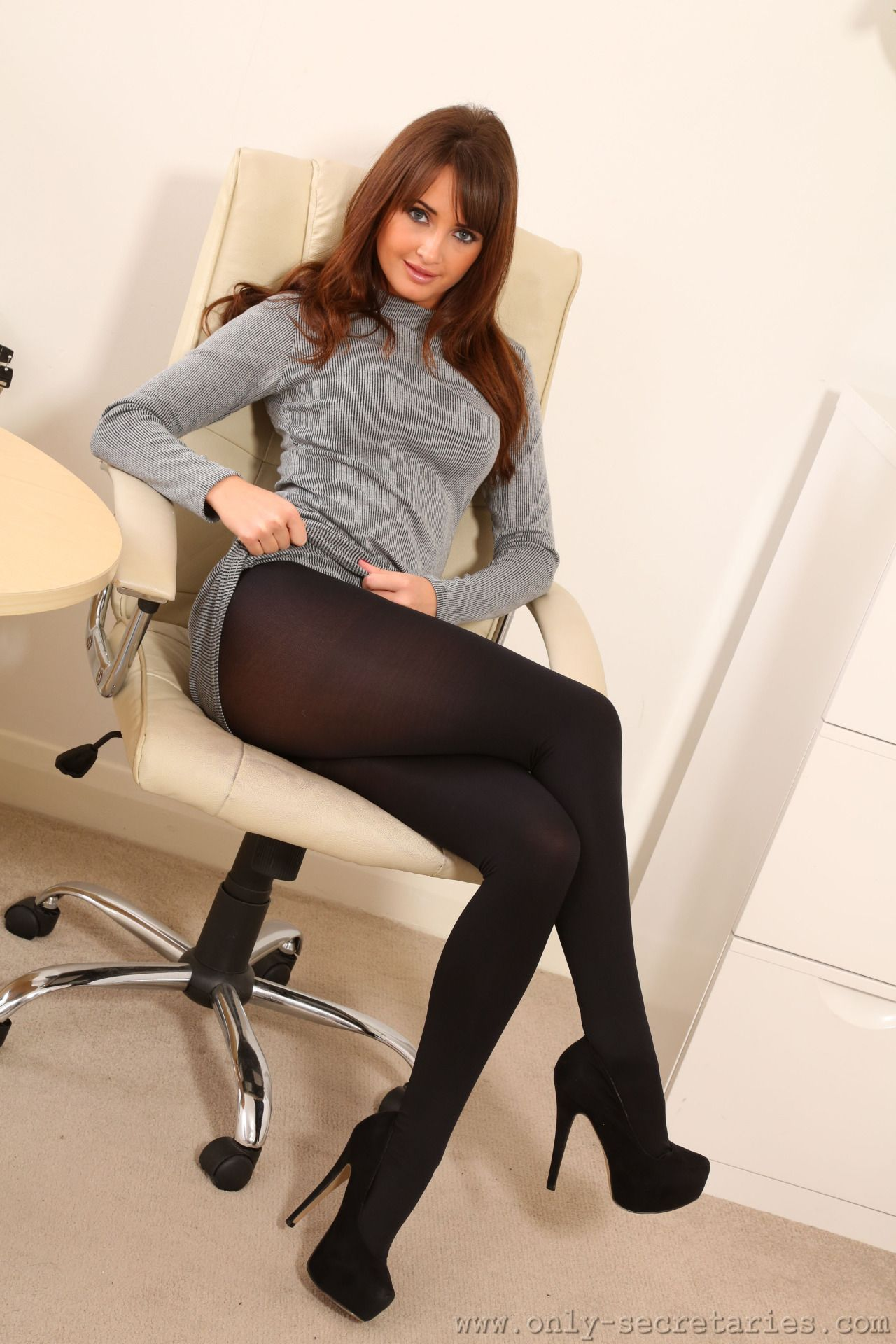 hot-opaque-pantyhose-girls-mature-amatuers-pics