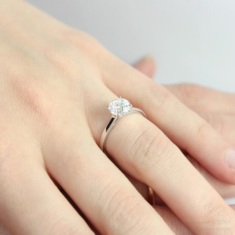 Diamond Engagement Rings On Fingers Pics 5