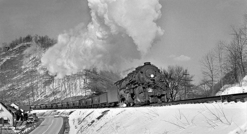N&W - Scioto - Tug Fork | Norfolk & Western 2136 past the Mo… | Flickr
