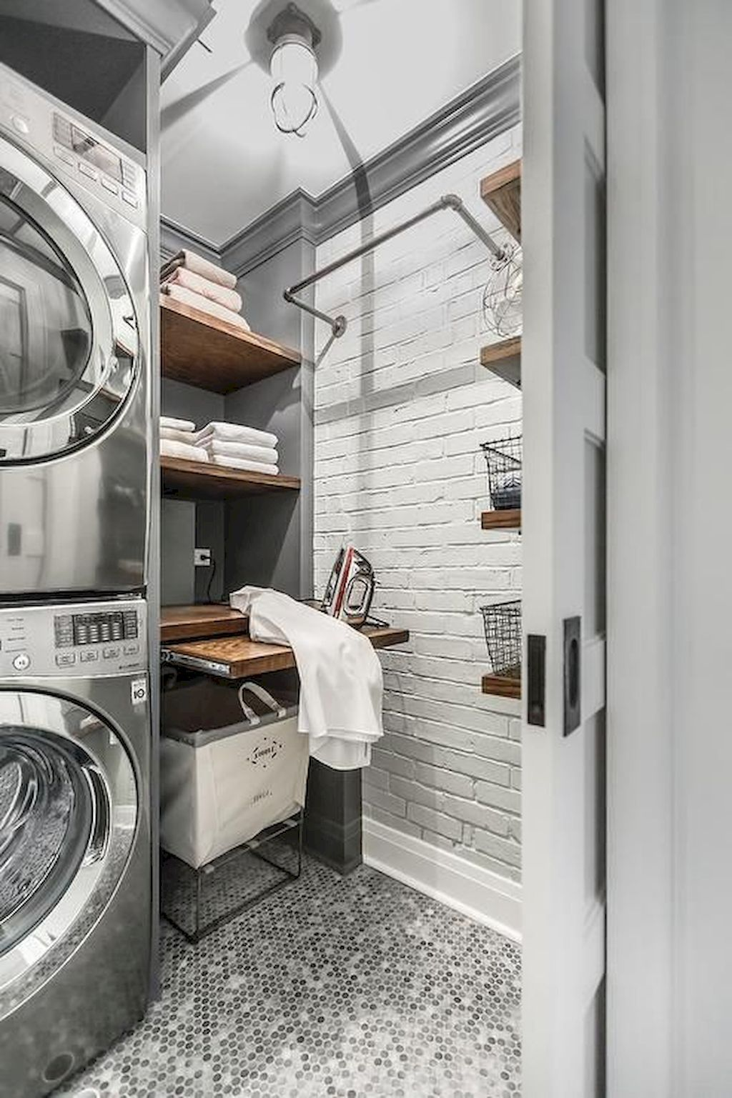 Nice 50 Cool Small Laundry Room Design Ideas https://rusticroom.co ...