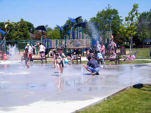 Fountain Square Park and Splash Pad in Elk Grove Village ...