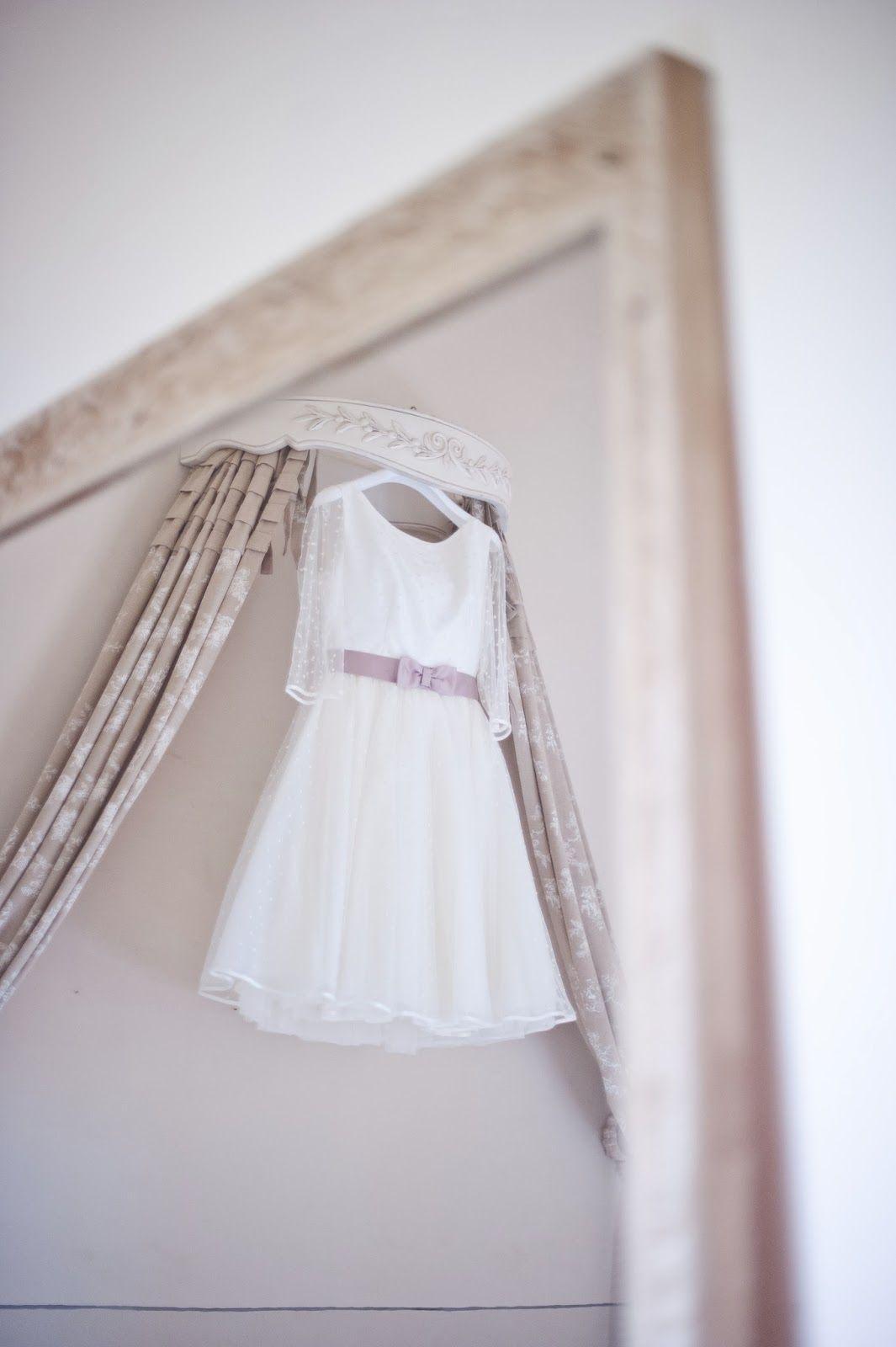 Dresses for a winter wedding reception  Con le ballerine verdiStyle Shoot Winter Wedding al Valdiroseby
