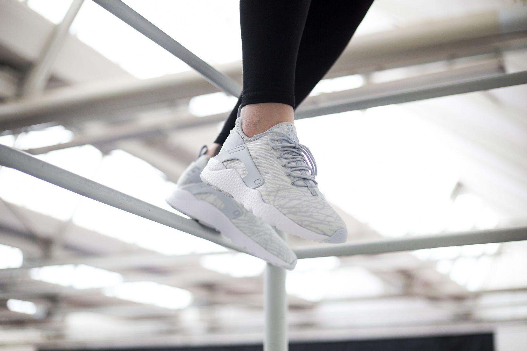 186d7e2ea231 Nike WMNS Air Huarache Run Ultra Jacquard (weiß   grau) - 818061-100 ...