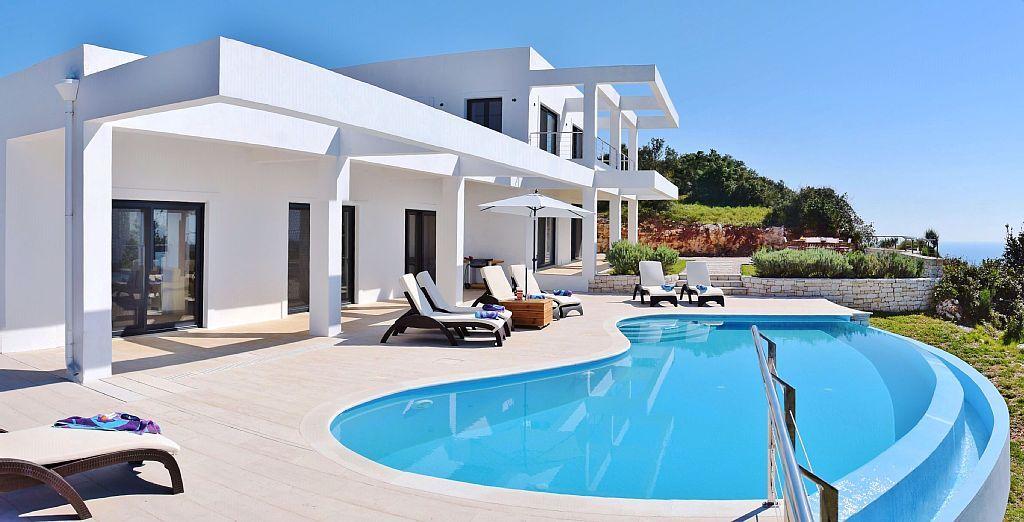 Villa mit pool auf korfu swimming pools pinterest ferienhaus ferien und ferienwohnung - Formentera ferienhaus mit pool ...