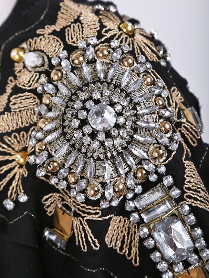 Вышивка бисером и камнями на одежде