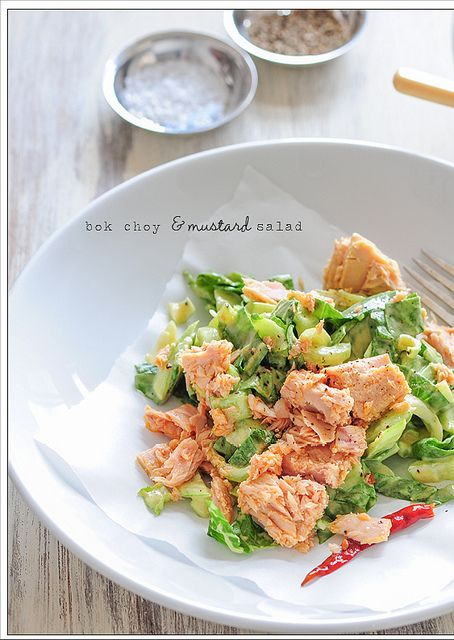 2 tablespoons dijon mustard  1 tablespoon rice or sherry vinegar  1 bunch baby bok choy, well washed  1 can tuna in oil, drained