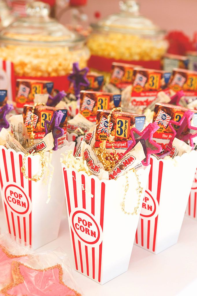 Hollywood glam birthday party theme for kids. Party favors ...