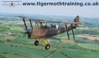 Tiger moths air-to-air 5.6.2013 035