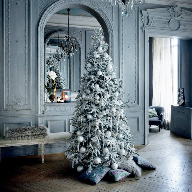 Un sapin de no l blanc glacier christmas tree xmas and for Sia decoration noel