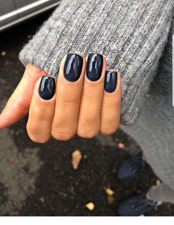 10 Popular Fall Nail Colors for 2019 - An Unblurred Lady #fallnails