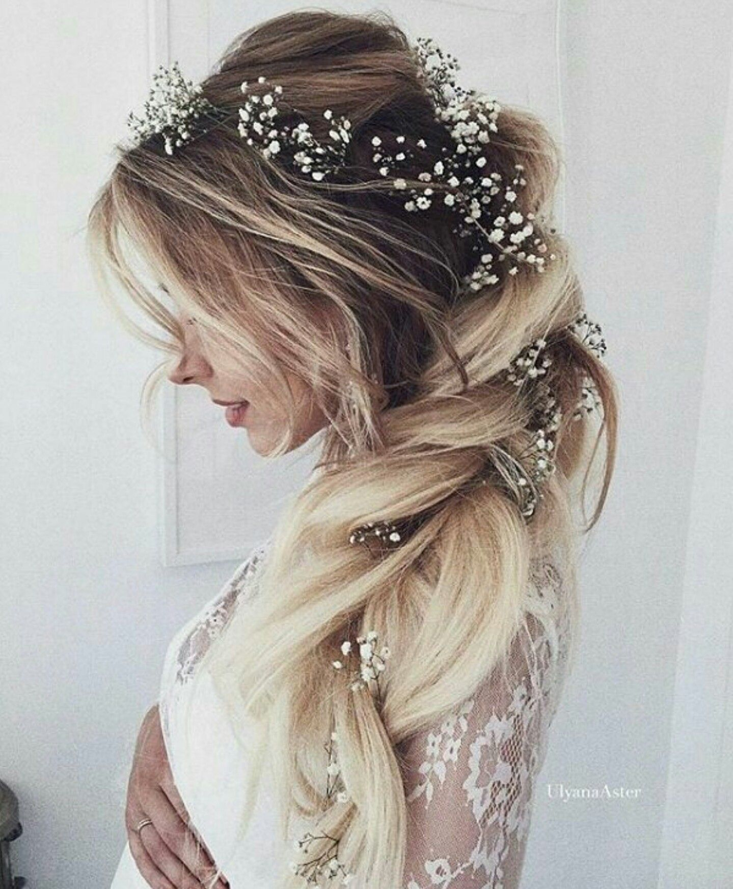 White Wedding Hairstyles: Long Blond Bride Hair With Little White Flowers