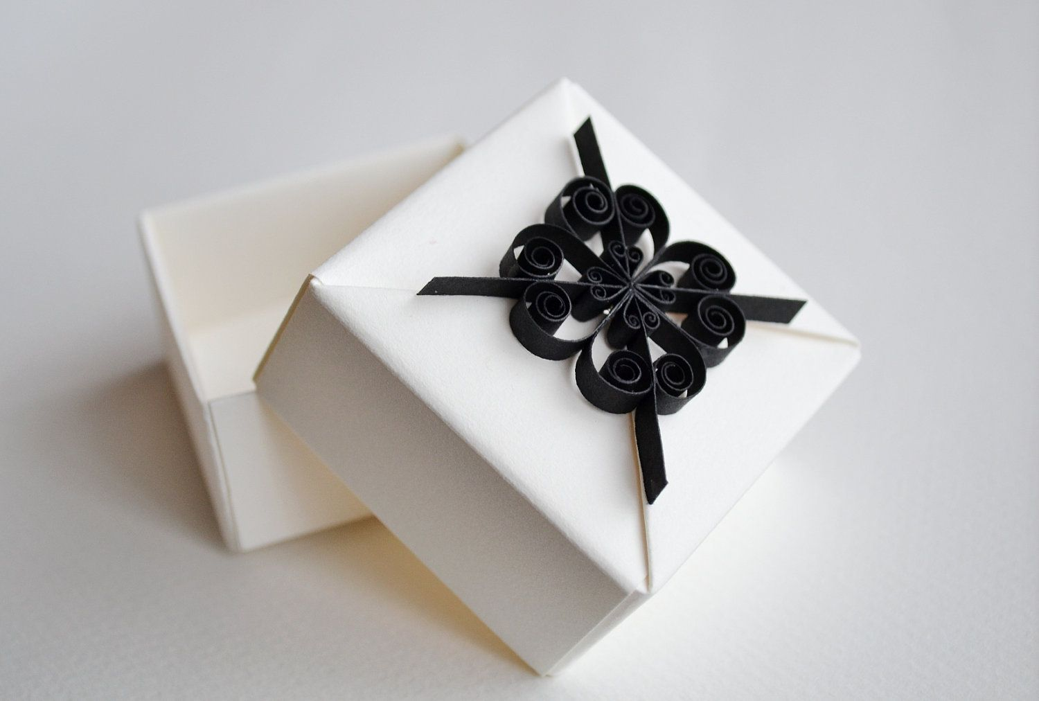 Wedding Gift Box, Wedding Favor Box, Origami Gift Box with Quilling ...