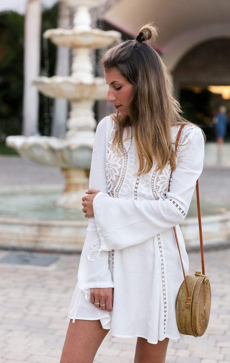 white lace dress & round bali bag | véjà du modeblog aus
