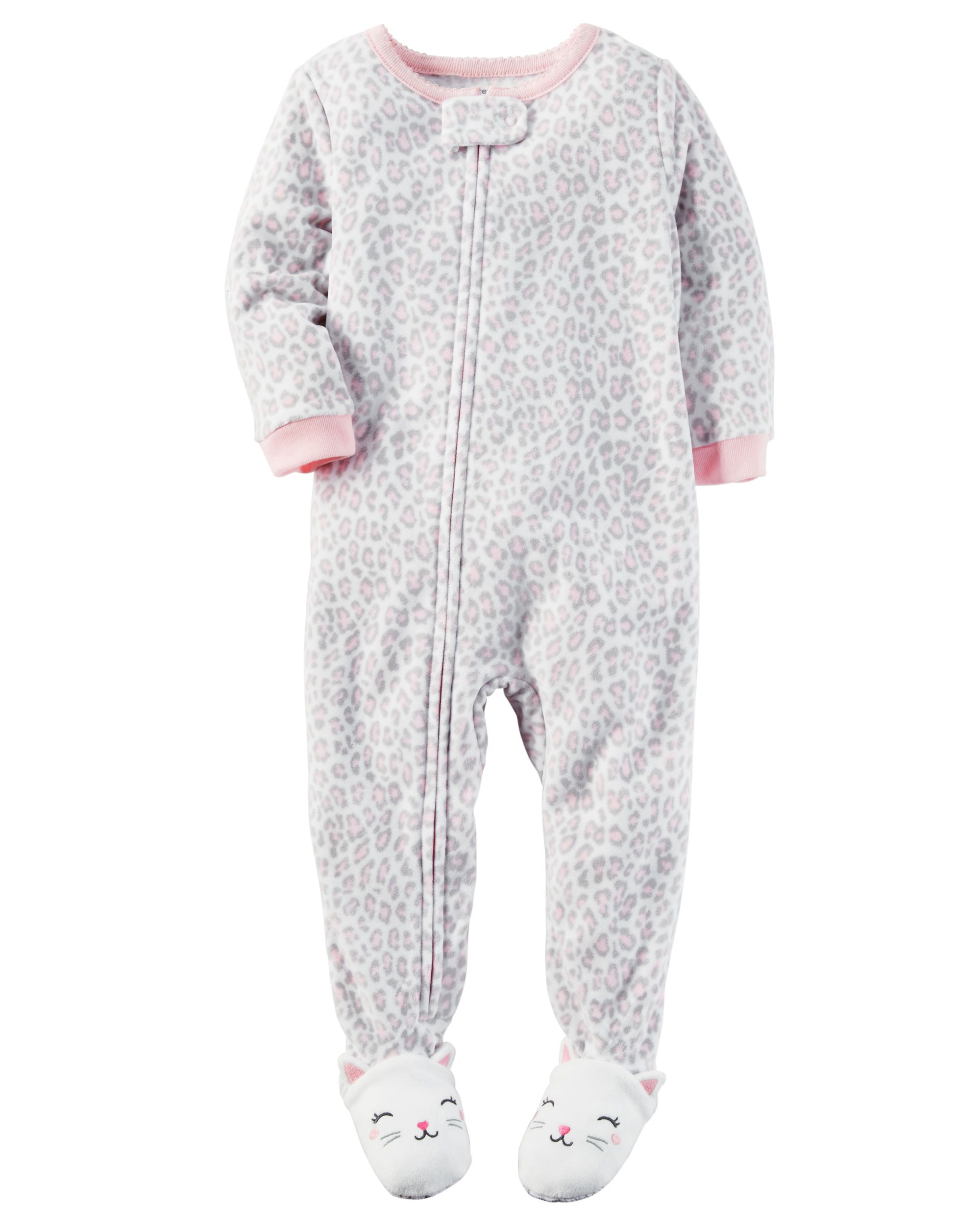 b80befe2e6 Crafted in snuggly fleece with an allover heart print