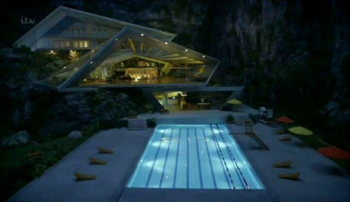 Tracy island at night ☆